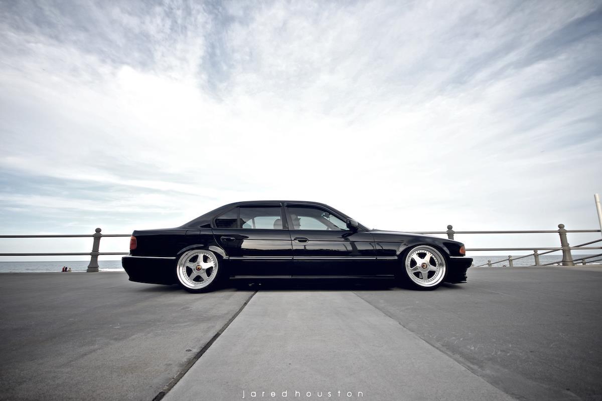 98 BMW 740I