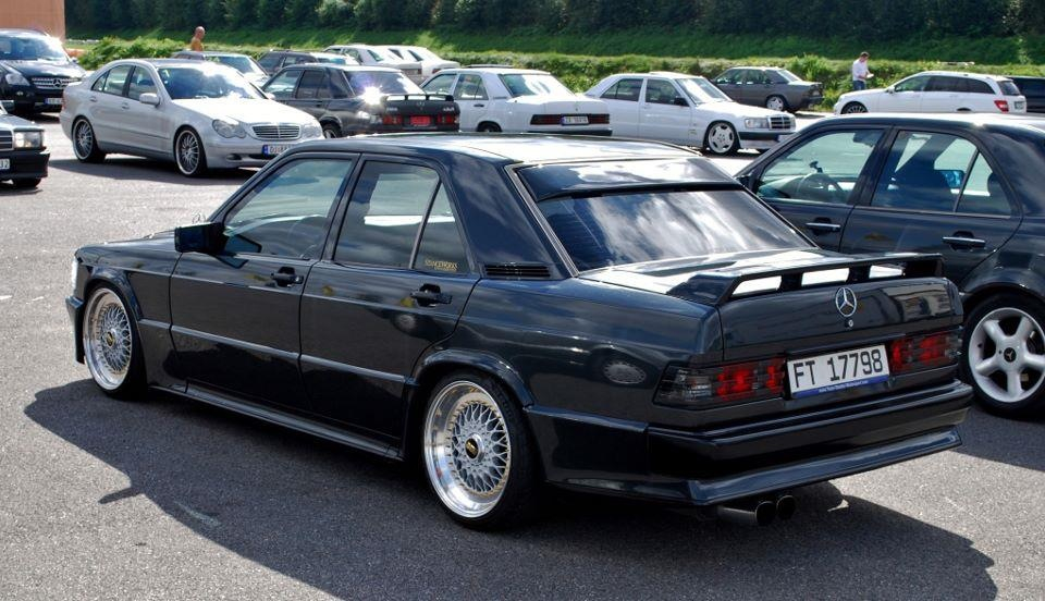 Modified Mercedes Benz 190 W201 3 Tuning