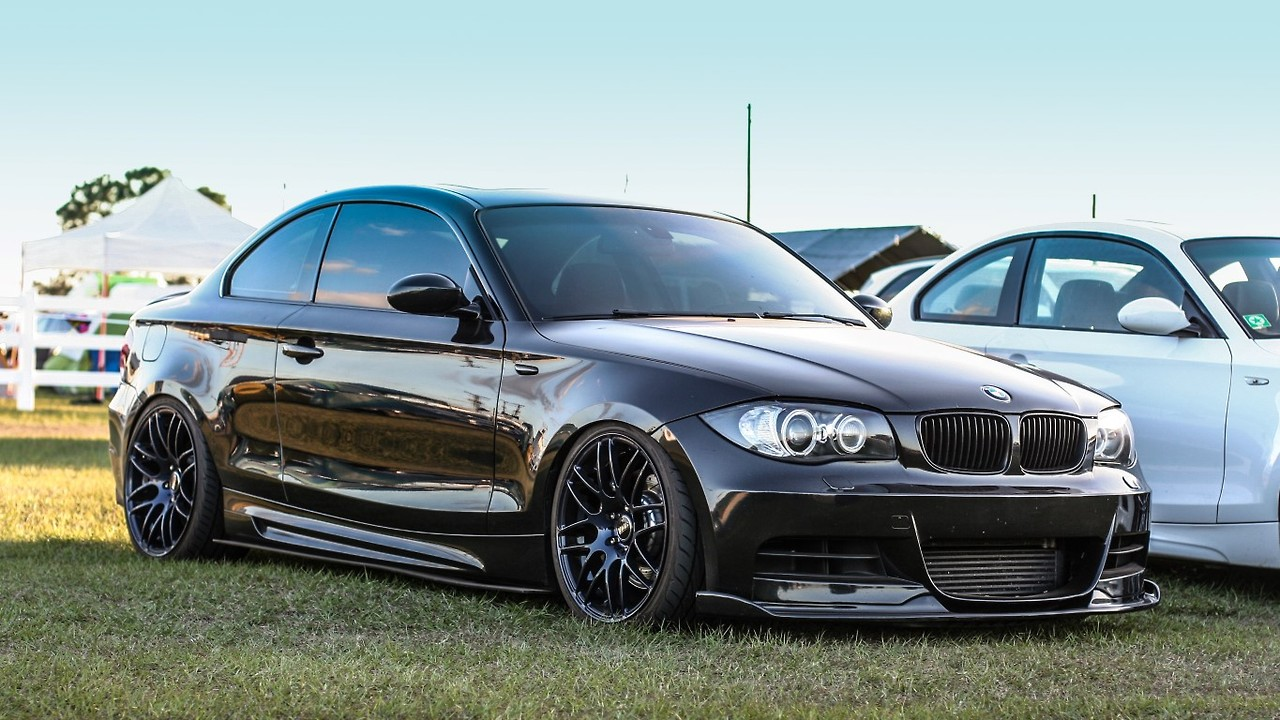 2014 bmw 5 series touring front Car Pictures