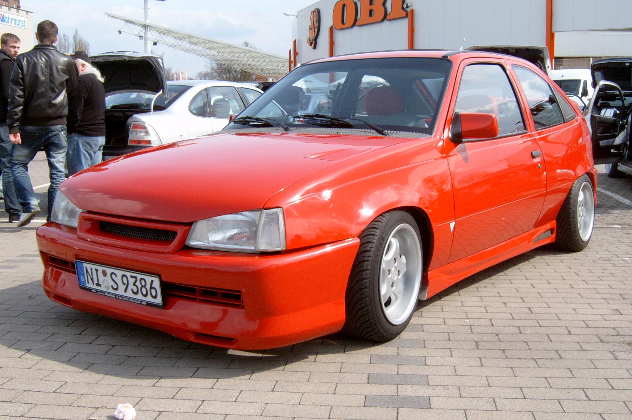 Opel kadett tuning 2 tuning for Opel kadett e interieur