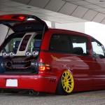 Custom Toyota Previa (3)