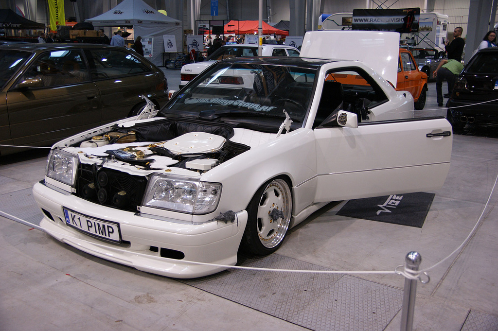 Mercedes benz e class pictures posters news and videos for Mercedes benz w124 tuning