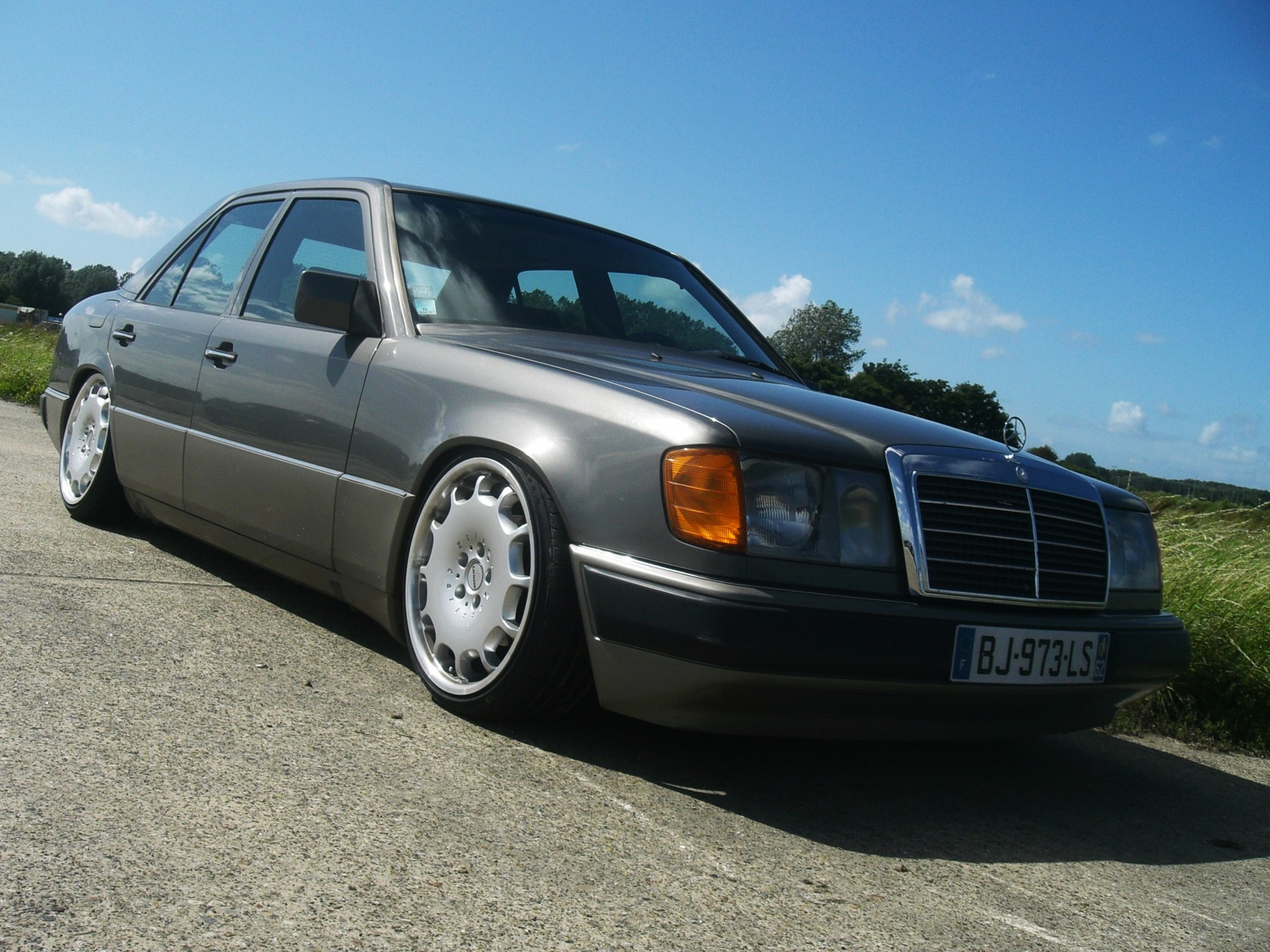 mercedes benz w124 tuning 8 tuning. Black Bedroom Furniture Sets. Home Design Ideas