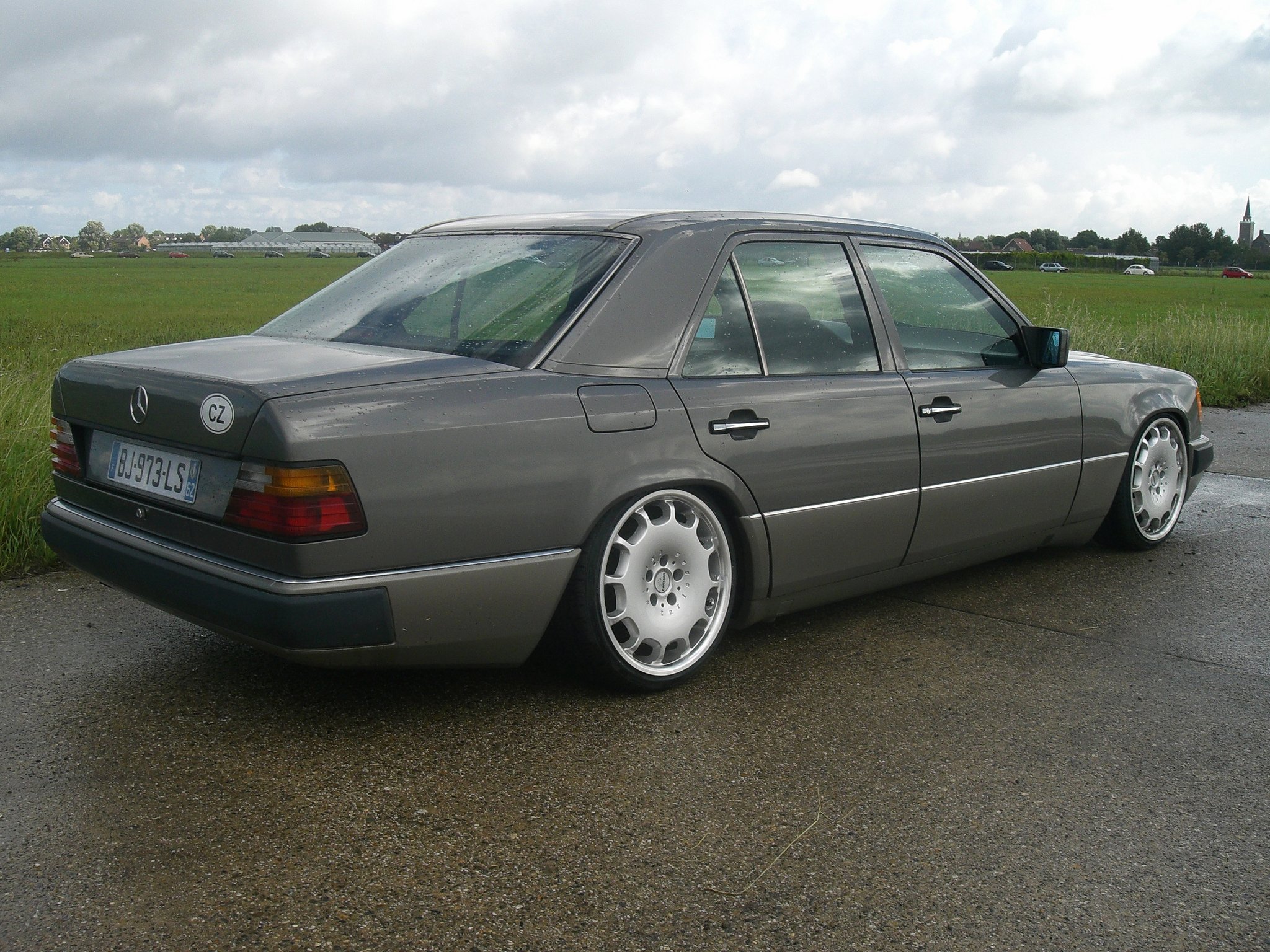 Mercedes benz w124 tuning 9 tuning for Mercedes benz w124 tuning