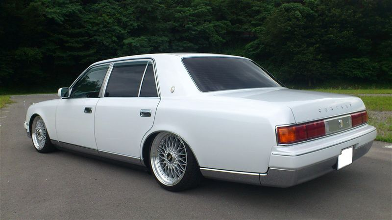 Modified Toyota Century 2 Tuning