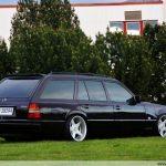 mercedes-benz-e-class-w124-station-wagon-3